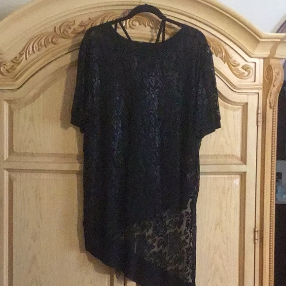 cartise Tops - Lace Top beautiful lace classic